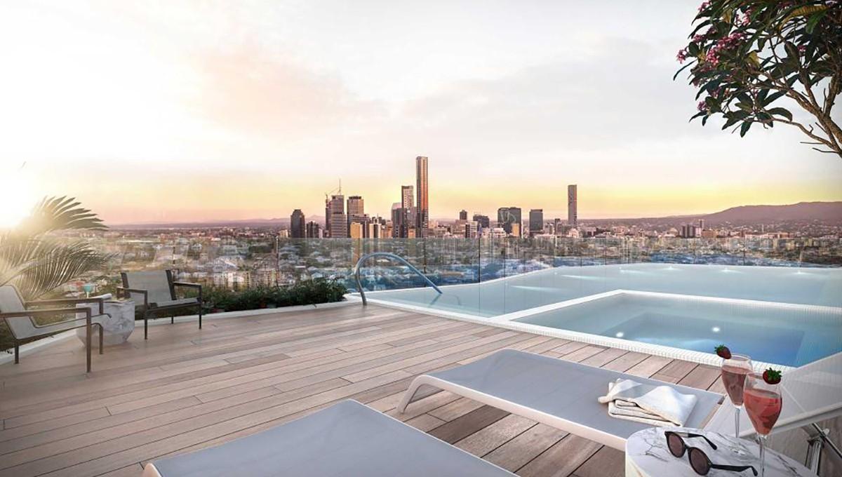 16_Ella_Rooftop-Terrace_Pool_Crop_1000x1000
