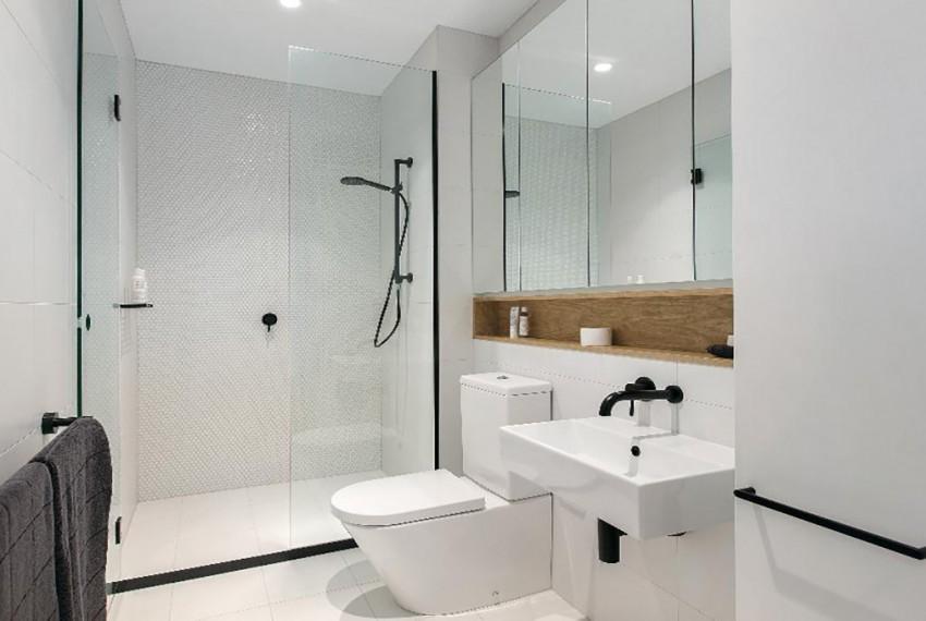 39_V09_Typical_Bathroom_Crop_1000x1000